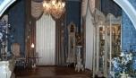 Zámecký styl pokoje se promítá do všech maličkostí v pokoji
