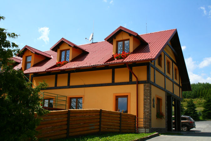 Jako stavbení firma máme zkušenosti se stavbou komerčních nemovitostí, hotelů i penzionů.