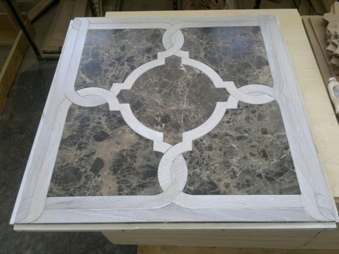 Výroba intarzované podlahy ve spojení dřeva a kamene