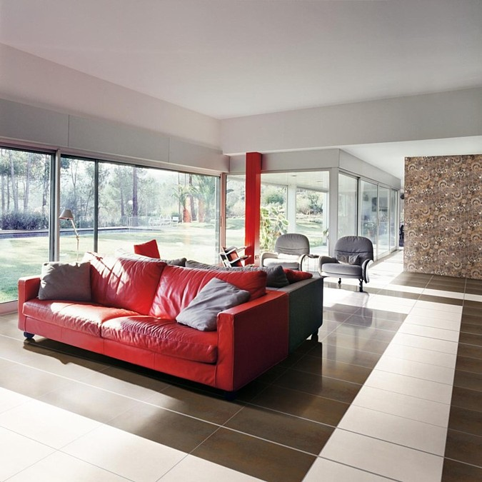 Podlahové topení neruší honosný ráz pokoje jako nástěnné radiátory a dodá prostoru příjemné sálavé teplo