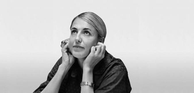 Patricia Urquiola je žena, která se ráda pouští do nových věcí, do kterých vnáší ženskost a praktičnost se stylem jí vlastním.