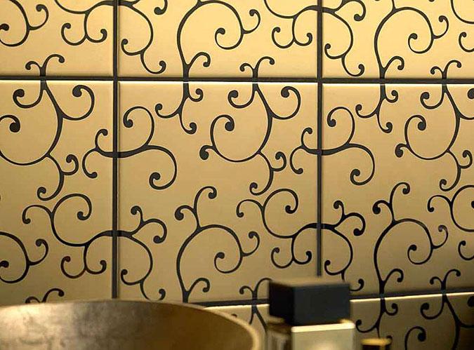 Detail dekoru zlatého obkladu koupelny od německého výrobce Villeroy& Boch.