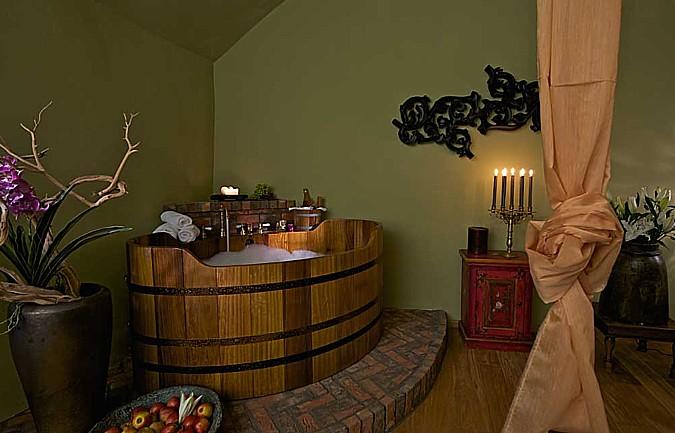 Dřevěná vana je symbolem luxusu