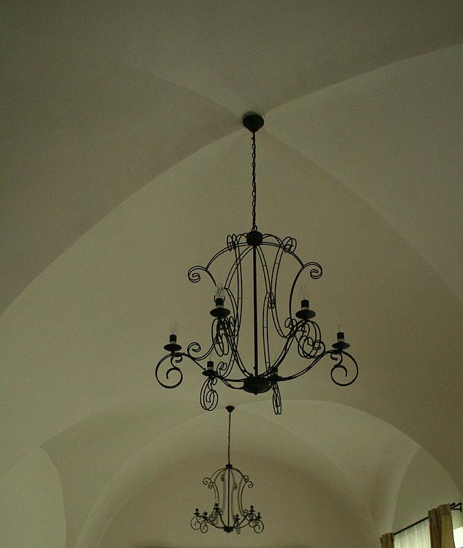 Impozantní klenby v hlavní obytné části propůjčují noblesní vzhled tomuto stylovému bydlení.