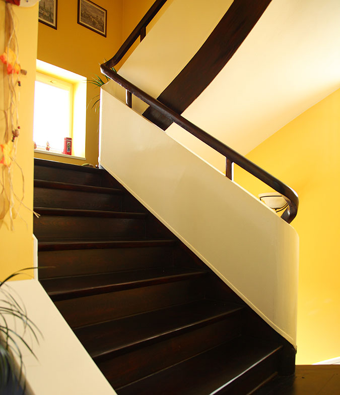 Realizace interiéru - rekonstrukce schodiště.