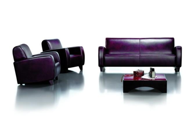 Pohovku , která má pro změnu jednoduché, rovné tvary, je možné umístit i do nejmodernějších prostor. vždy dodá eleganci a luxus.