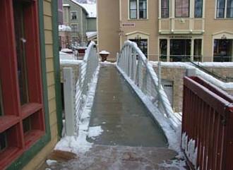 Podlahové vytápění v mostku