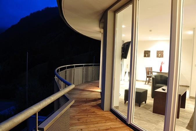 Podlahové vytápění vytápí exteriér i balkón