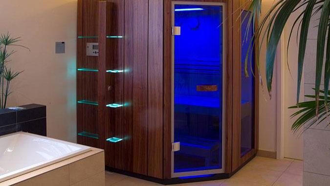 Sauna řady SA obložená dřevem.