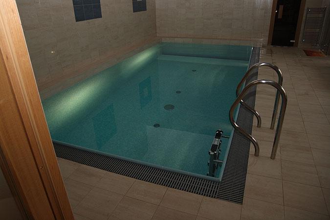 Bazén s mozaikou