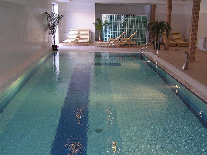 bazén s keramickým obkladem