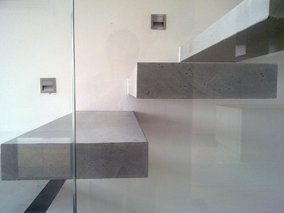 betonove konzolove schody