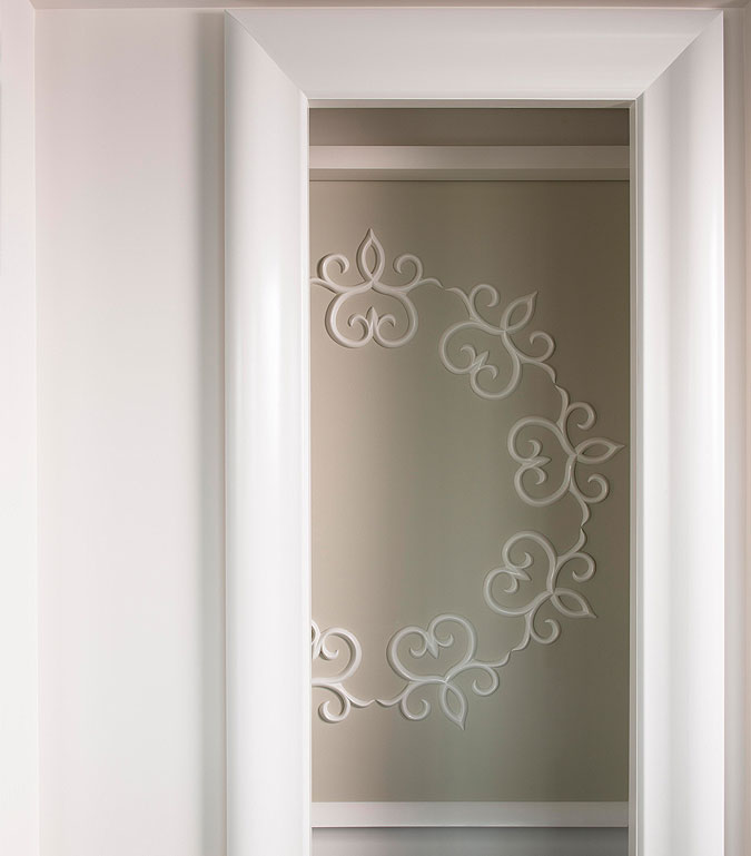 Dekorativní prvky z kolekce Ulf Moritz díky svému inovativnímu pojetí dodávají  plochým a holým povrchům obsah