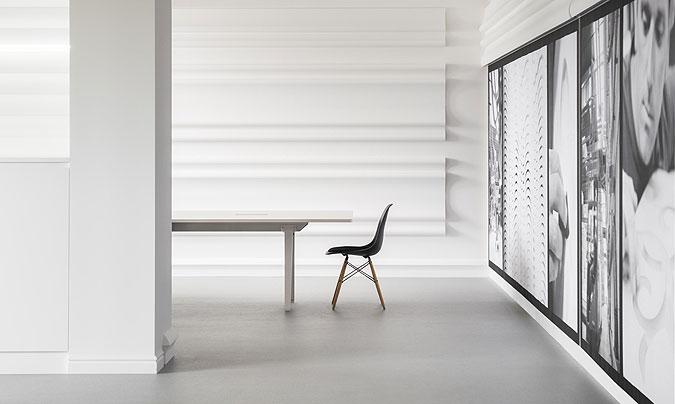 Puristický interiér nemusí být nuda.