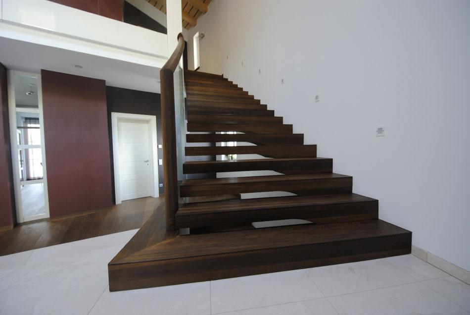 konicke konzolove schody