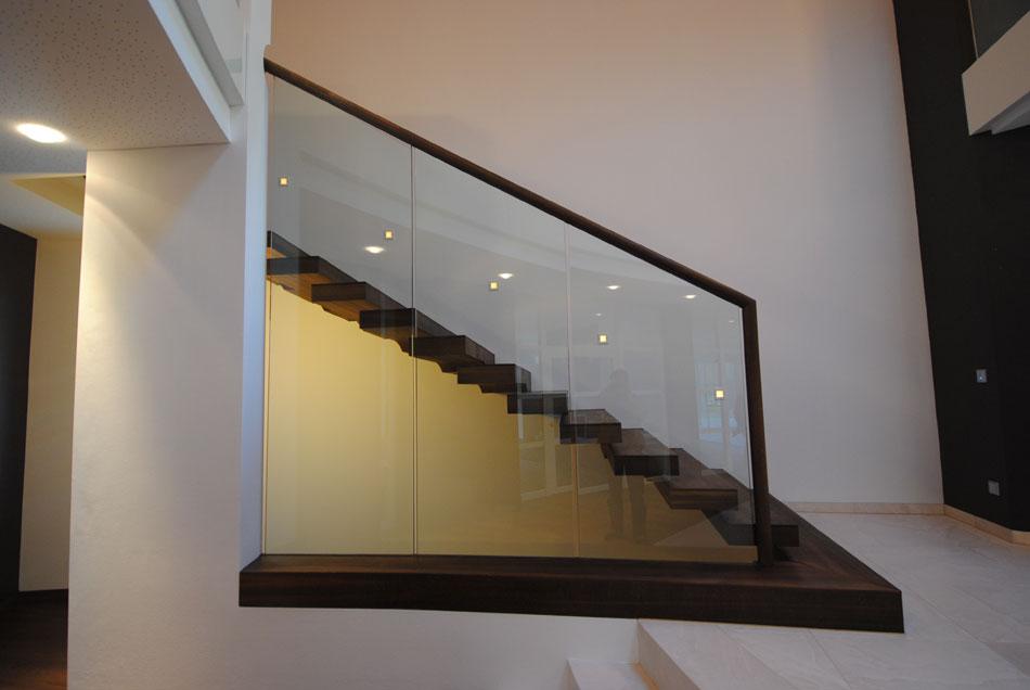 dřevěné konzolové schody