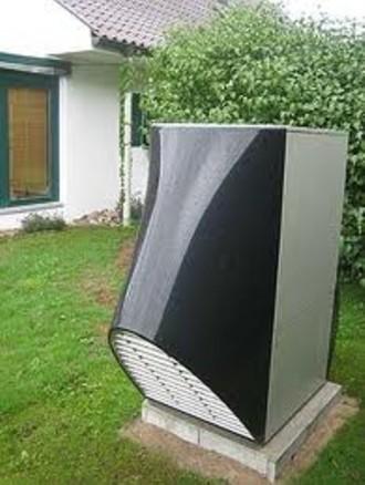 Solitérní tepelné čerpadlo v zahradě