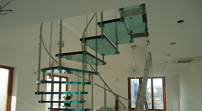 Montáž schodiště Siller Sevila Vetro.