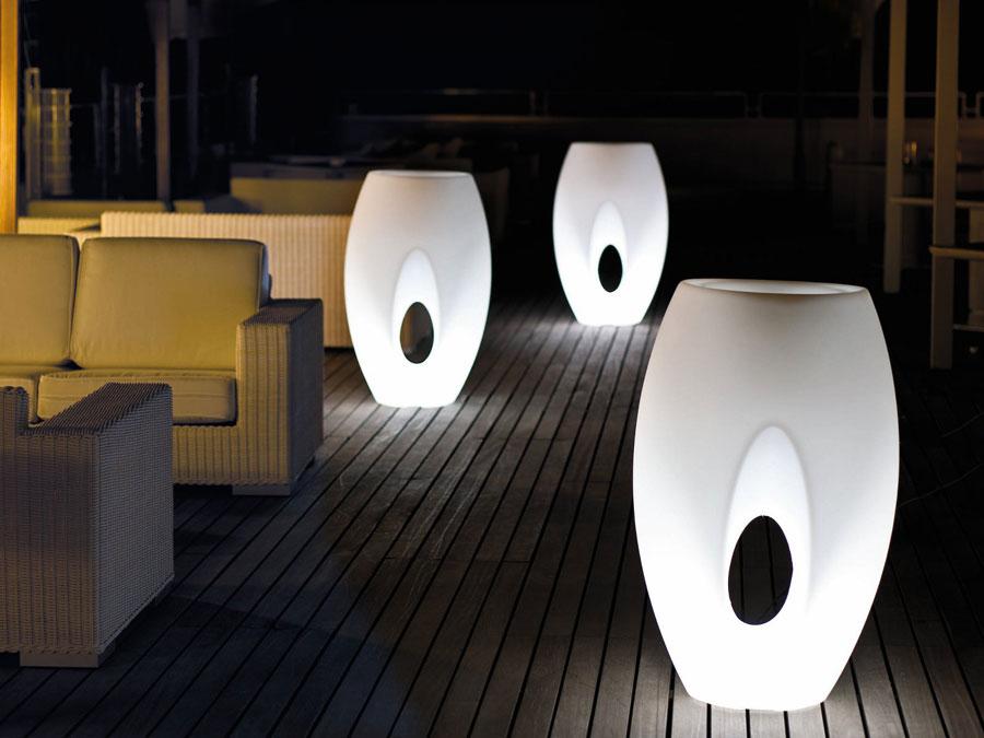 Vázy Kadabra Lighting - důkaz jak lze dosáhnout různými kombinacemi tvarů dosáhnout jedinečného výsledku.