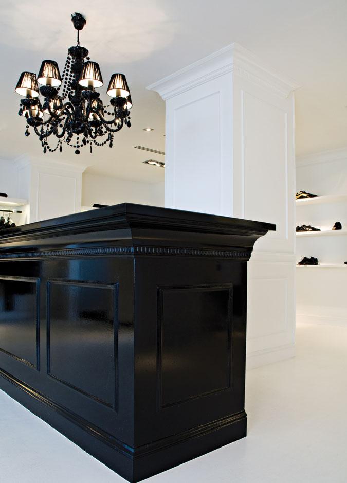 Stylový domov musí být dobře sladěný. Interiérové lišty lze využít i k obměně nábytku.