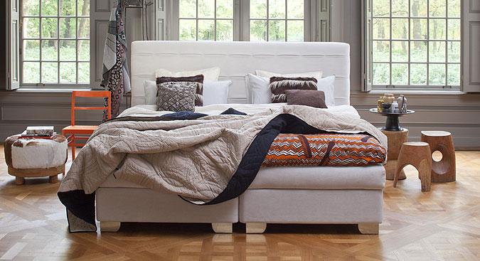 Luxusní postel Kuperus Althea.