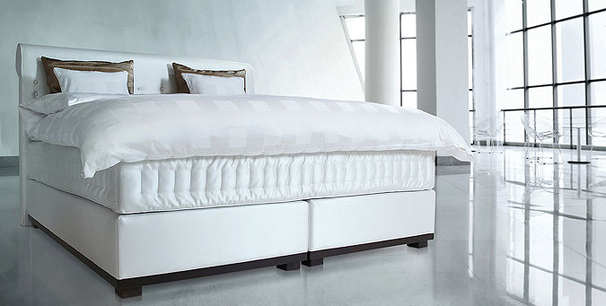 Luxusní postel Kuperus Alexia.