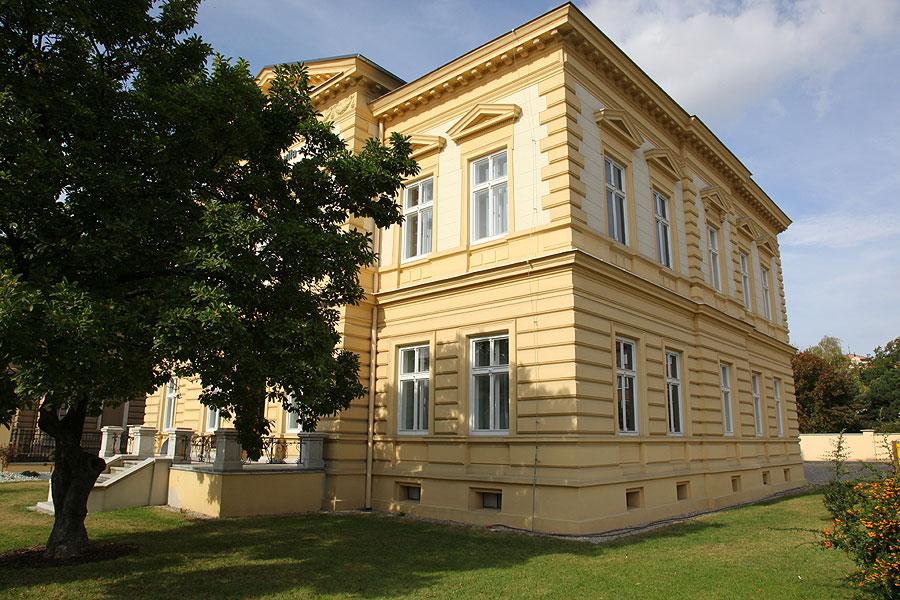 Rekonstrukce luxusní vily vrátila centru města jednu z klasických, krásných budov.