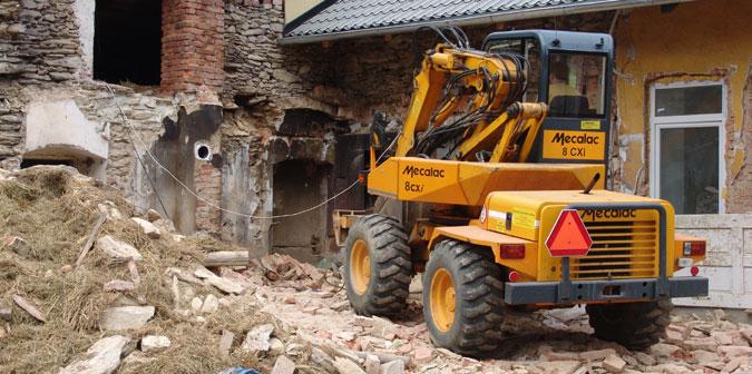 V některých okamžicích rekonstrukce vypadal dům opravdu zoufale.