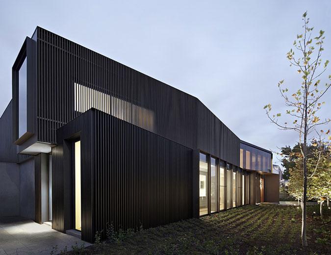 moderní architektura - prosklené plochy