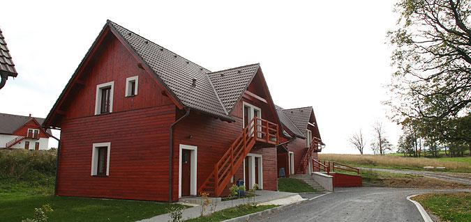 Jedny z prvních bungalovů, které jsme v rámci tohoto projektu realizovali.