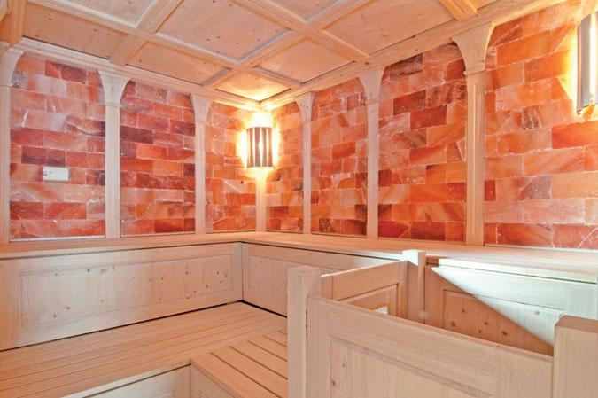 Tyrolská solná sauna je již velmi luxusním produktem. Cena je adekvátní využitým materiálům a způsobu provedení.